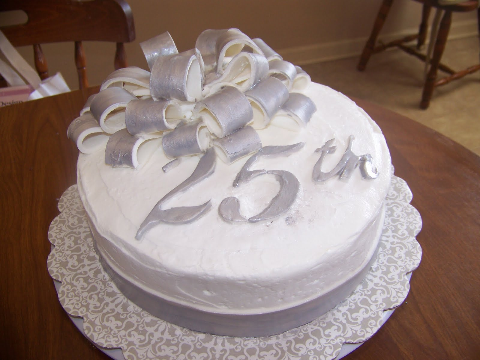 Cool-25th-wedding-anniversary-cakes