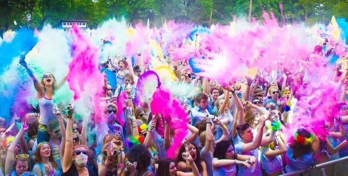 10 Ideas To Make Your Holi Party Great Fun