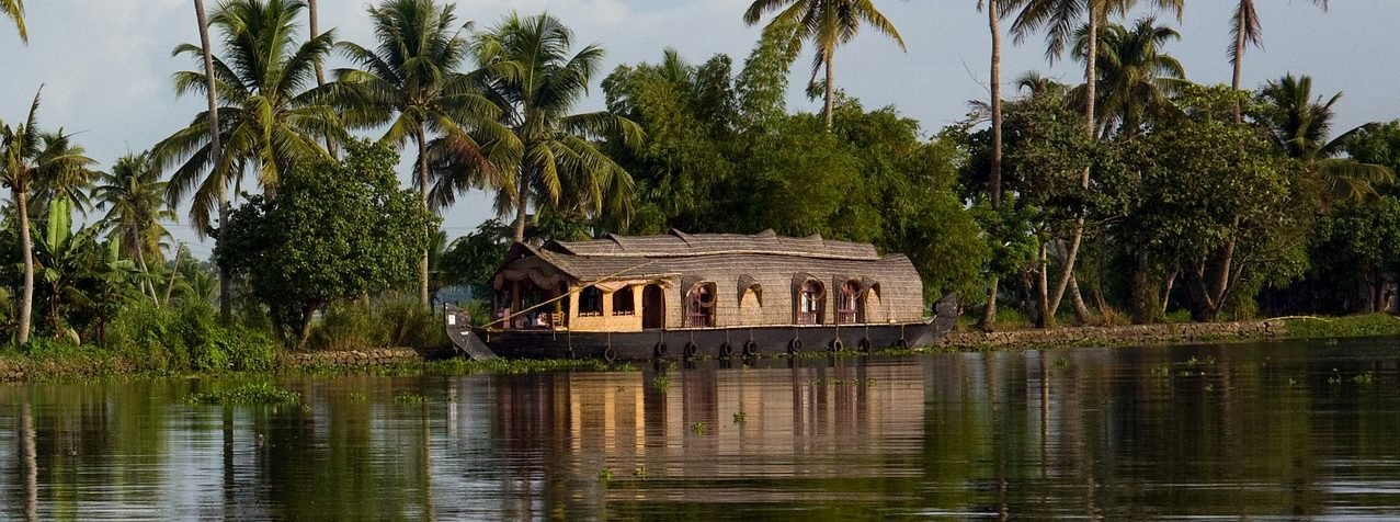 Kerala-Backwater-Houseboat-e1465472893618