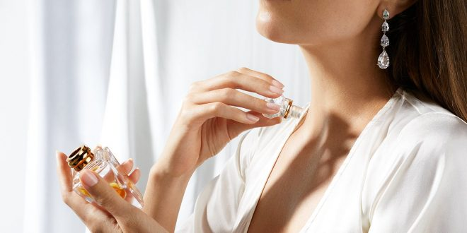 Collection of 10+ Perfumes Every Women Must Try On!